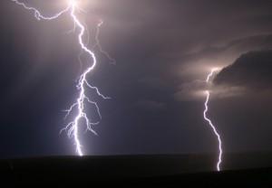 طوفان-و-رعد-و-برق-3